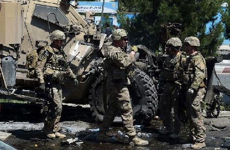 阿富汗首都发生自杀式袭击致23人死伤