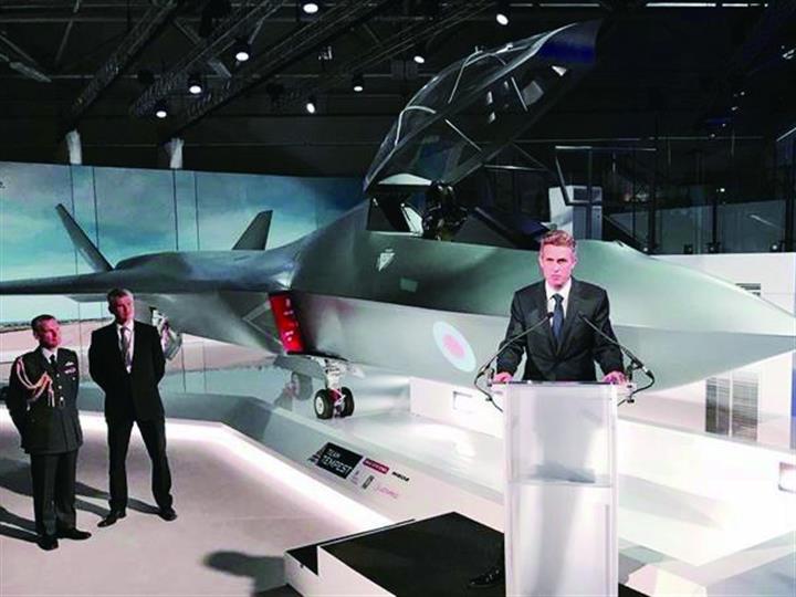 范堡羅航展英高調展示六代戰機 最快2035年服役