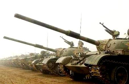 伊朗軍隊將接收大批國産坦克