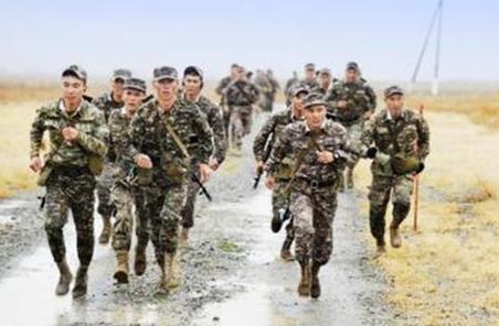 第74集團軍某旅在重大任務中提高黨支部抓訓能力