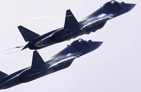 蘇57試飛員:該機內外均可挂武器 能當轟炸機用