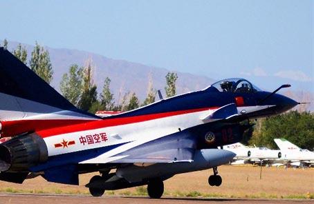 中國空軍八一飛行表演隊赴俄羅斯飛行表演