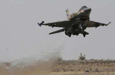 """伊拉克戰機轟炸敘利亞境內""""伊斯蘭國""""目標"""