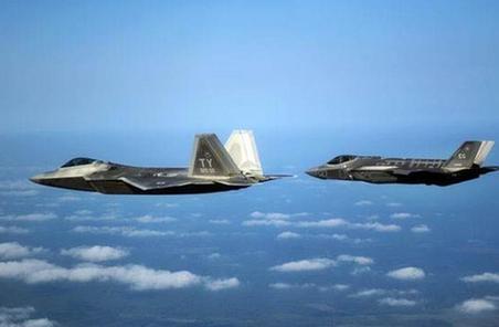 當F-22遇上F-35 美國挪威戰機空中比武