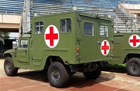 我军向亚太地区外军展示新型卫生装备