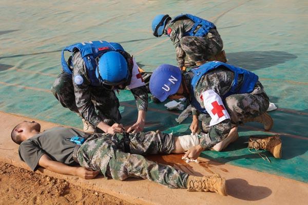 """這群中國藍盔為何被讚為""""戰區的楷模""""?"""