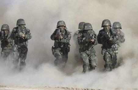 用批評的武器為戰鬥力建設增速