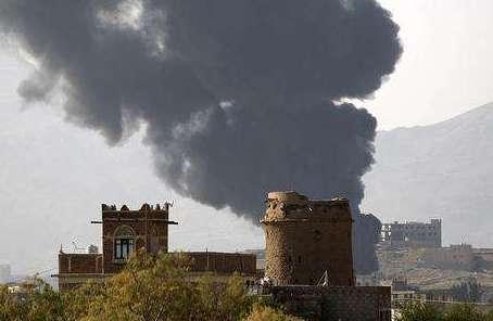 也门荷台达遭空袭20人殒命
