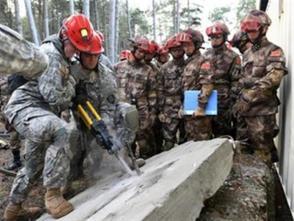 中美兩軍在南京舉行人道主義救援減災聯合演練