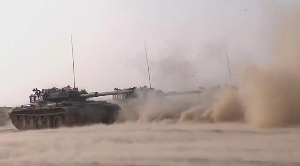 120秒高燃混剪!實拍中國軍隊2021年新年開訓
