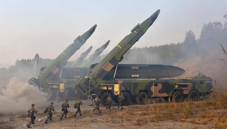 解放軍火箭軍某旅紅藍對抗:藍軍分隊突然殺了個回馬槍