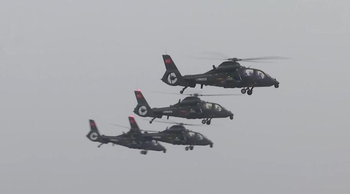 大片!50秒看多型戰機跨晝夜飛行演練