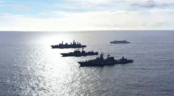 俄海空編隊罕見靠近夏威夷演習 美方出動戰機航母應對