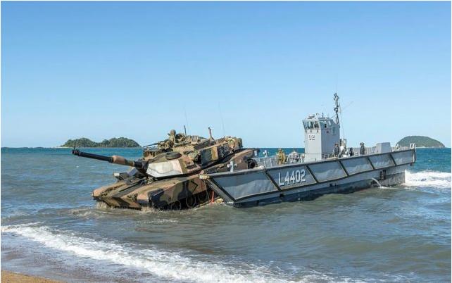 類似澳大利亞用重型坦克演示登陸戰形態?美海軍推進設計未來兩棲艦概念