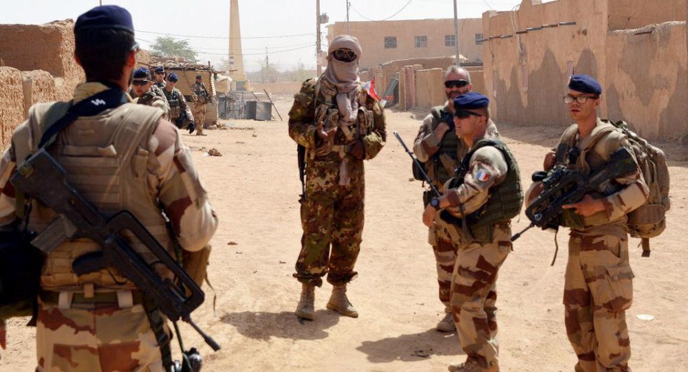 法國軍隊在非洲反恐遭汽車炸彈襲擊多人受傷,法軍總參謀部證實