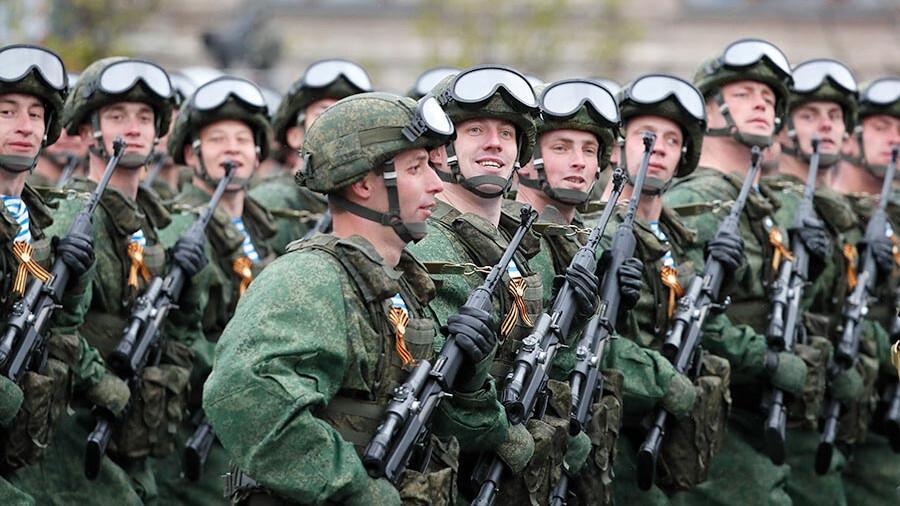 俄媒曝光未來三年俄國防預算草案:將持續增長 佔GDP的2.5%左右