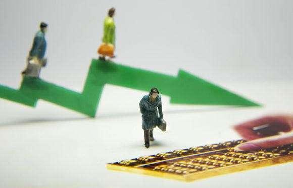 前兩月險企保費收入增速下滑