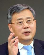 郭樹清:積極推動降低小微企業融資成本