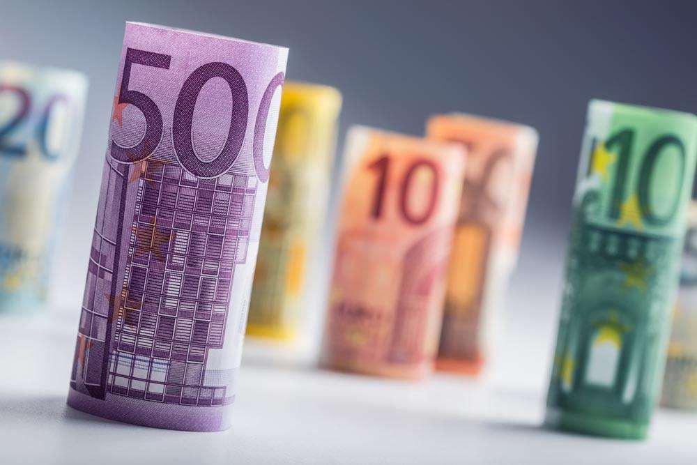 通脹可控 多國加大貨幣寬松力度