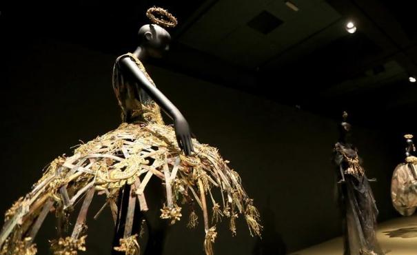 專訪中國著名時裝設計師郭培