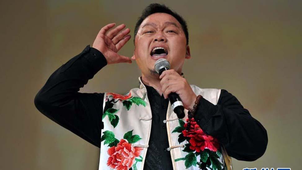 高寶利男聲獨唱《山丹丹開花紅艷艷》