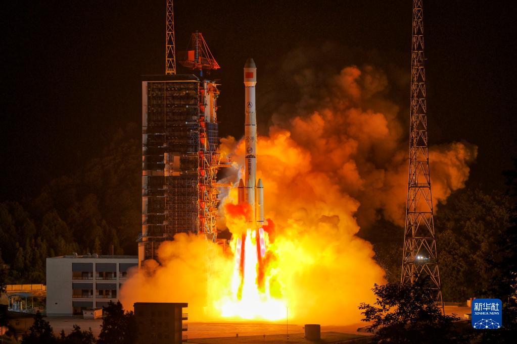 长征二号丙火箭升级新装备 首次应用4.2米直径整流罩