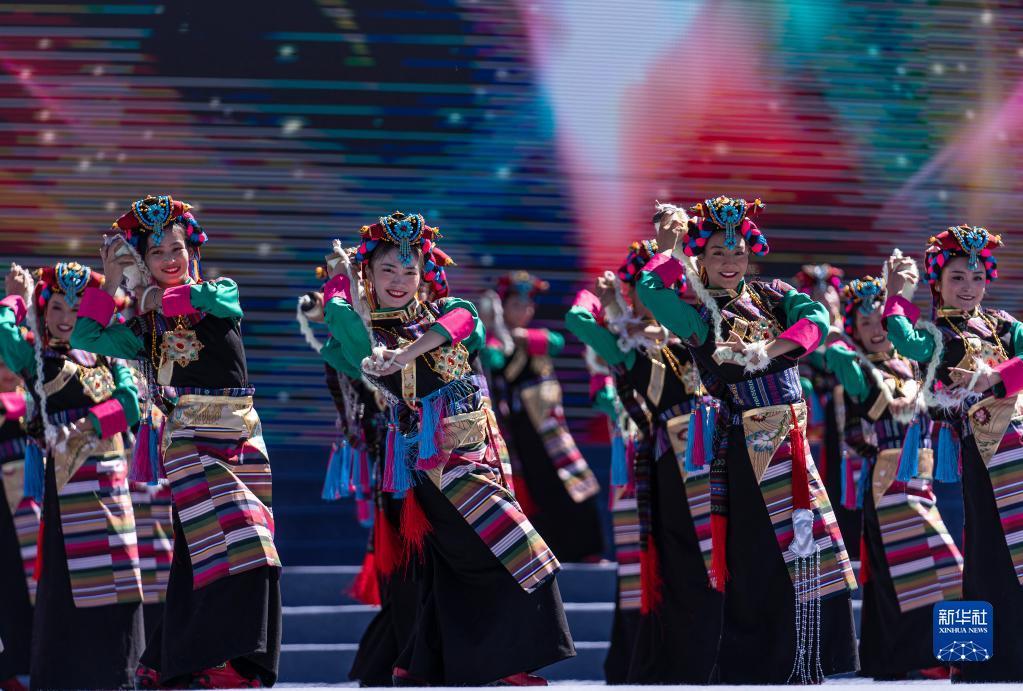 建设美丽新山南 2021雅砻文化旅游节开幕