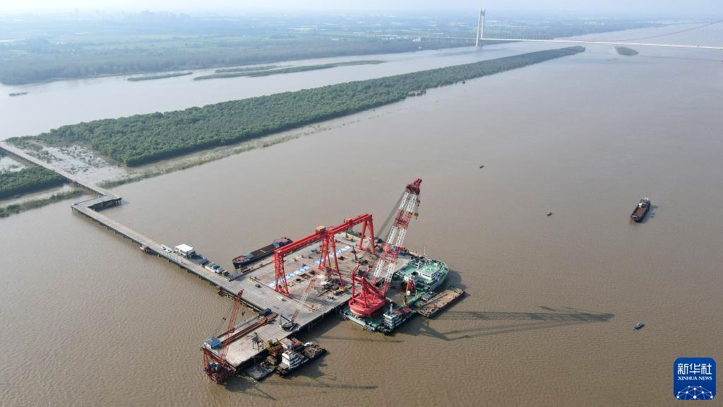 巢马城际铁路马鞍山公铁两用长江大桥主桥桩基施工完成 全长9.8公里
