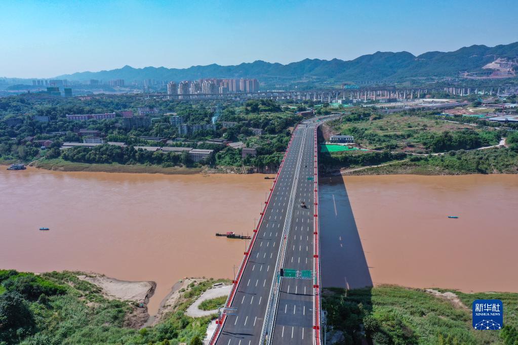 礼嘉嘉陵江大桥建成投用 全桥长785米