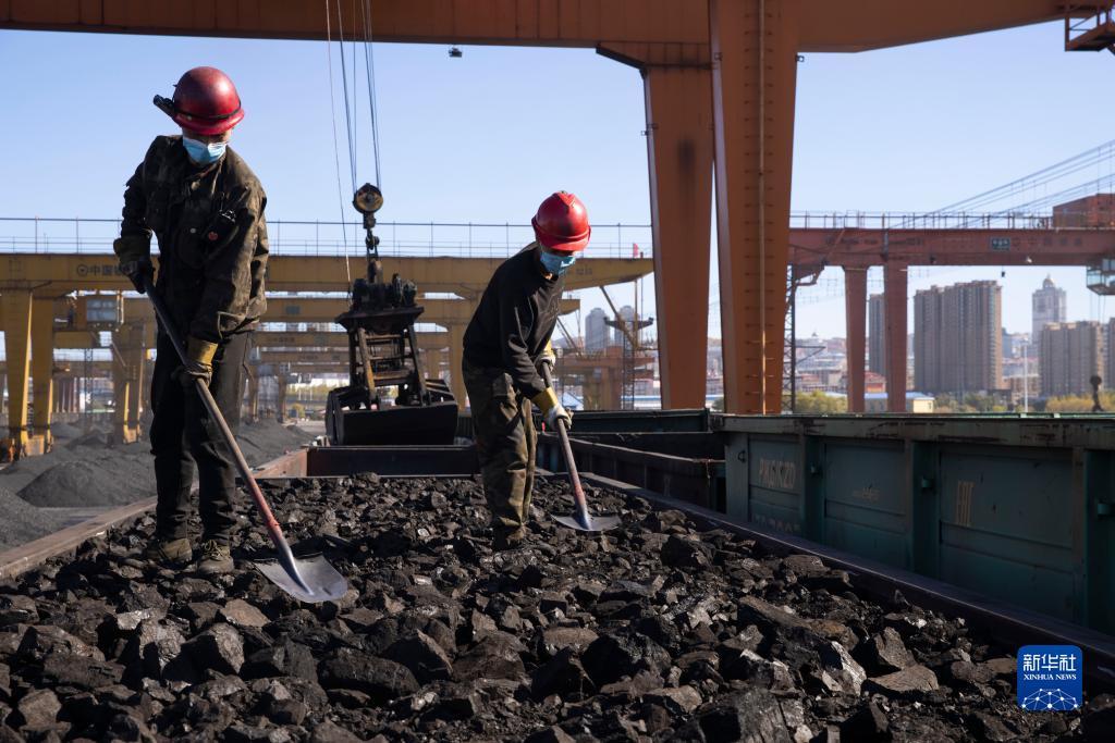 中俄边境口岸加强煤炭进口运输