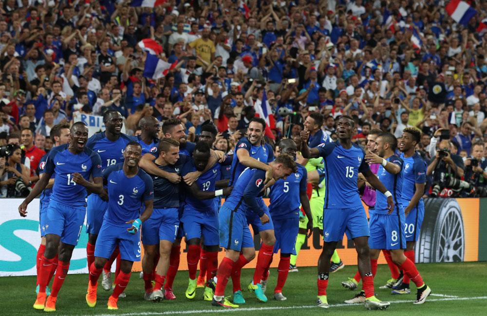 法国队以2-0击败德国队 晋级决赛
