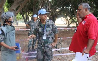 中國赴黎維和部隊掃雷獲聯合國總部官員稱讚