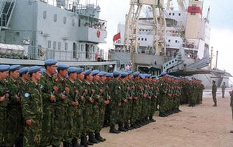 第一次派遣部隊參加維和行動:25年前,400人赴柬埔寨
