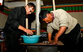 西藏駐村工作隊員的堅守