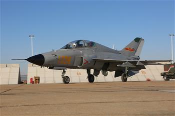 """""""山鷹""""正式進入飛行院校教學 空軍按實戰化訓練新模式培養飛行學員"""
