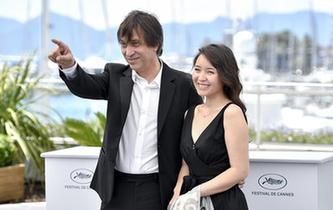 戛納電影節主競賽單元影片《我的小人物》主創團隊亮相拍照式