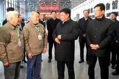 白瑪赤林率中央代表團四分團在柳州看望慰問各族各界幹部群眾