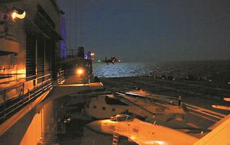 殲-15艦載機具備晝夜起降和綜合攻防能力