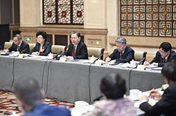 趙樂際看望共青團、總工會、婦聯、青聯界委員並參加討論