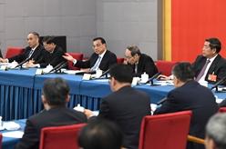 李克強看望民建、工商聯界委員並參加討論