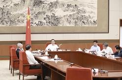 李克強主持召開國家應對氣候變化及節能減排工作領導小組會議 韓正出席