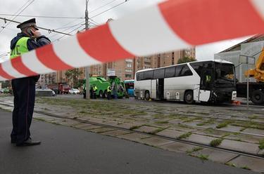 一載有中國遊客大巴在莫斯科發生交通事故致10余人受輕傷
