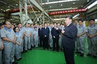 習近平在鄭州考察制造業企業發展