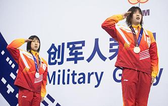 水上救生——女子50米假人救生:中國隊包攬冠亞軍