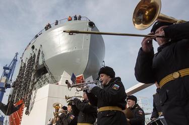 俄羅斯首艘23550型破冰巡邏艦下水