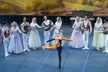 北京舞蹈學院在俄羅斯演出芭蕾舞劇《天鵝湖》