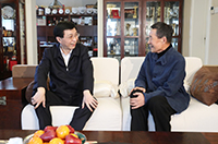 王滬寧看望文化教育界知名人士和科技專家