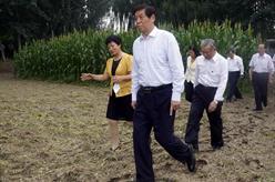 栗戰書率全國人大常委會執法檢查組在江蘇、山東檢查土壤污染防治法實施情況