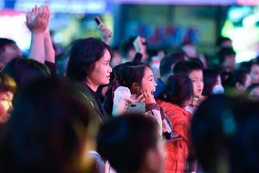 浙江湖州:城市廣場 歌聲飛揚
