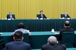 韓正看望港澳地區全國政協委員並參加討論